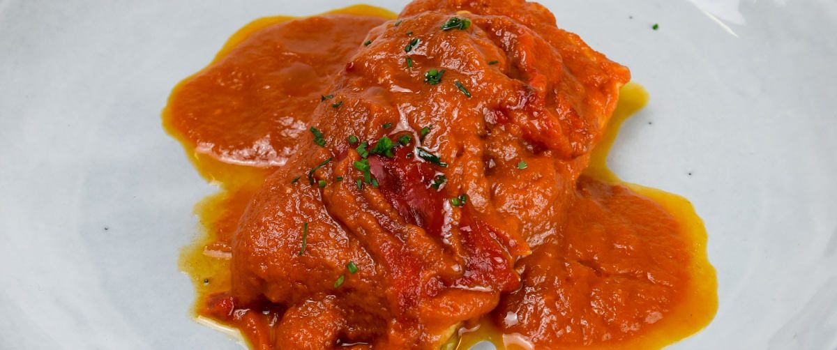 bacalao con tomate y pimientos tuptup tapers de comida sana a domicilio