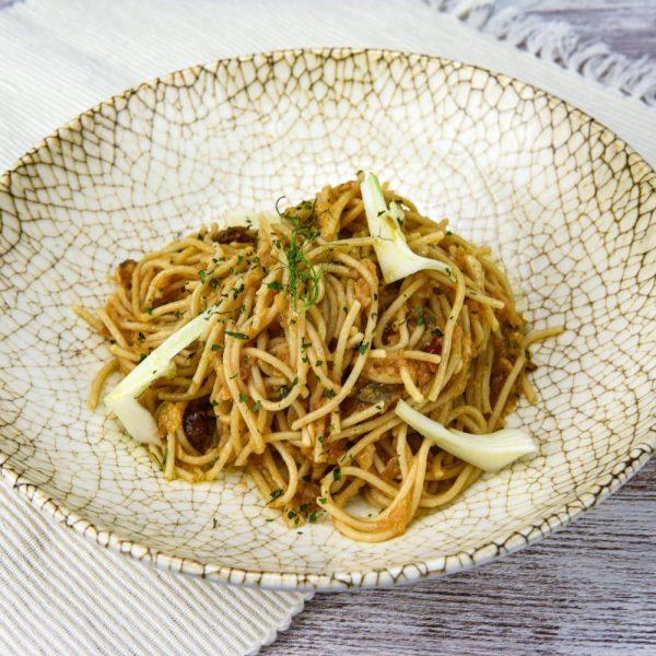 Spaghetti con sardinas tuptup comida a domicilio