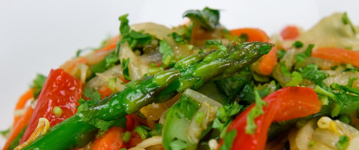 Ensalada de trigueros y noodles al té verde tuptup